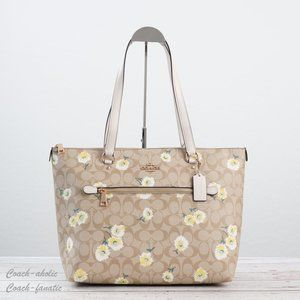 NWT Coach Signature Gallery Tote with Daisy Print